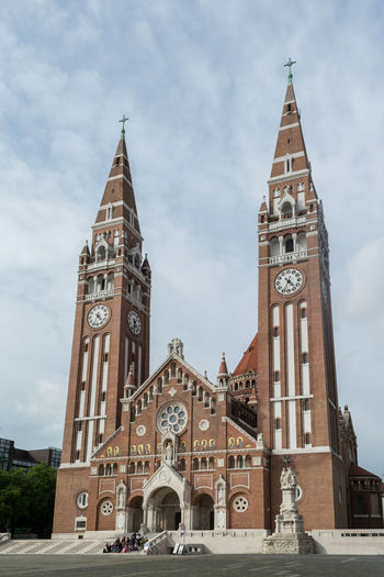 Szeged Dome Clock Face Politics And Government Place Of Worship City Religion History Clock Tower Spirituality Ornate Bell Tower - Tower Gothic Style Clock Tower Cathedral Bell Tower
