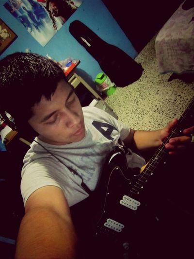 PlayingGuitar FenderJagmaster