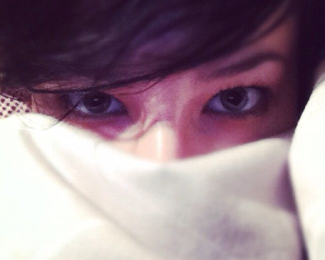 I hang out in my bed a lot. Portrait Beauty Eye Contact Eyes Faces Of EyeEm