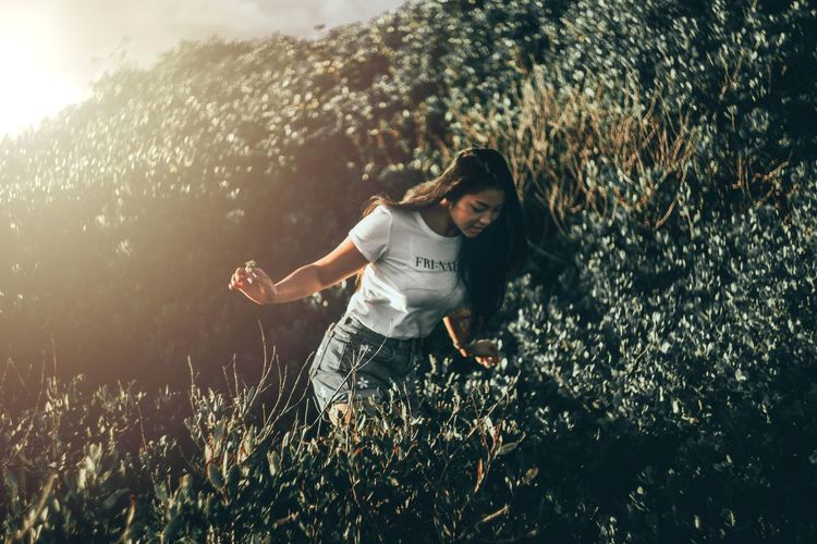 There was a rat in the bush Outdoorshoot Naturallighting Sydneyoutback Adventurephoto Adventure Naturephotography Helios_442 Art Beautiful Color Exposure Composition Focus Sonya7II Girl Asian Girl White Shirt