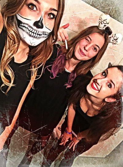 Happy Halloween! 👻🔪👧🏻‼️