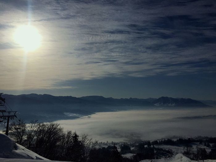 Thee are some town under the clouds. It's the world upon the clouds:-) Winter Beauty In Nature Nature Mountain Sky Landscape Outdoors Nature Photography Skiing Snow Have Fun With Nature Japan Japan Sky Japan Photography Miles Away