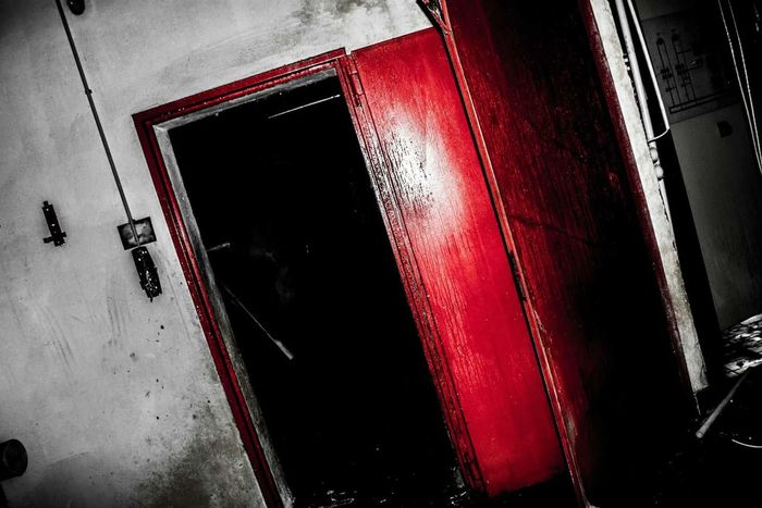 Doortohell Abandoned Buildings Sanatorium Creepy House Check This Out Scared Taking Photos