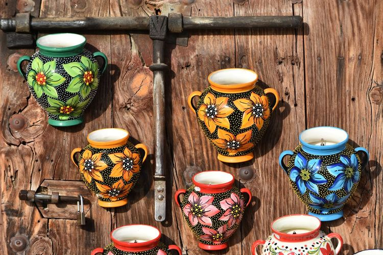 Ceramics colorful vs rustic forge Walking Around Taking Pictures Exploring New Ground Colors Ceramics Walking Around Forge  Rustic 22:55 ^ Top Popular Photo Nikonphotography Street Photography Nikon D7200 Taking Photos Nikon Nikonphotographer Let's Do It Chic! Hello World EyeEm Best Shots Respect For The Good Taste Better Look Twice Forge  Vscocam VSCO Ceramic Art