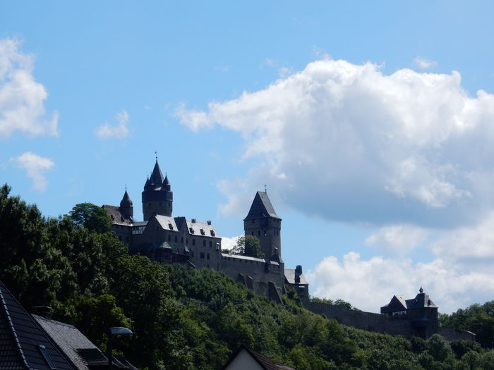 Architecture Building Exterior History Tree Outdoors Travel Destinations Day Cloud - Sky Built Structure No People Sky Cityscape City Sauerland Altena Burg Burg Altena Mountain Tree Beauty In Nature Nature