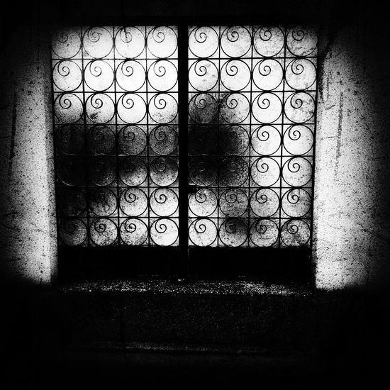Portail Symetrical Grunge