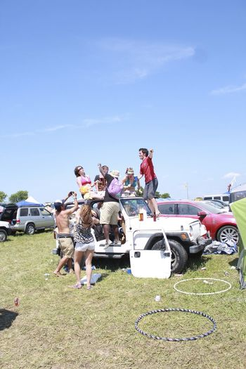 Bonnaroo Car Dancing Day Drinking Friends Fun Lifestyles Men Music Music Festival Outdoors Real People Sky Sommergefühle Summer Summertime Transportation Women