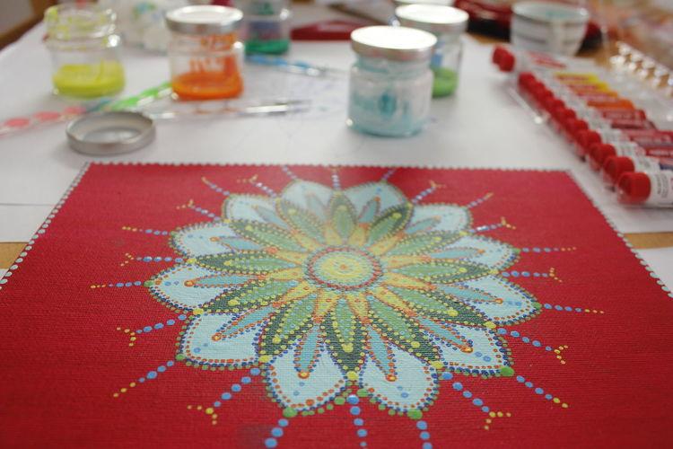 Dot Art Table