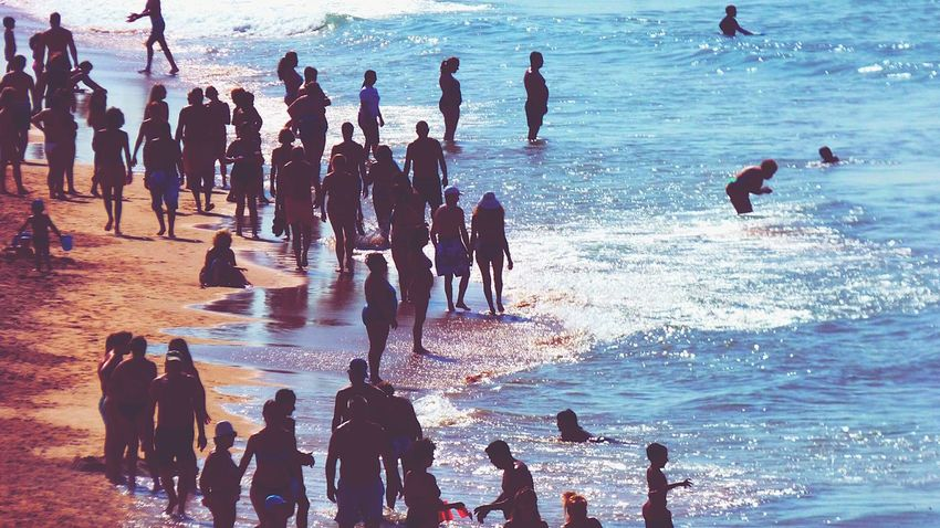 The People On The Beach People On Beach Week On Eyeem Fresh On Eyeem  Eyeemphoto Crowd Summer2016 Beach Life Leisure Activity Summers Day Beach Sea Seascape Large Group Of People Mixed Age Range Crowded