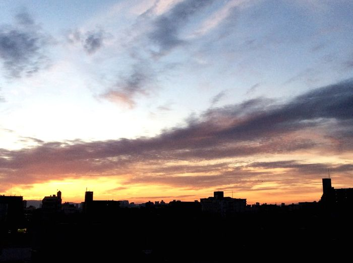 おはようございます☀️今日も朝焼けが綺麗です Taking Photos Sunrise Streetphotography Good Mourning Mourning Glow