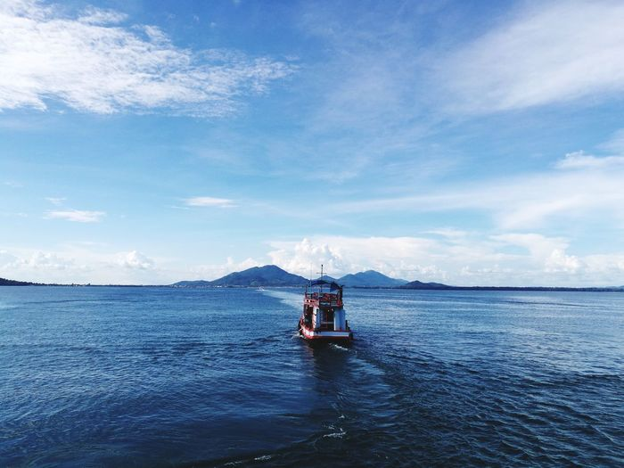 Cloud - Sky Sky Sea Transportation Nautical Vessel Outdoors Day Water Blue Nature No People Sailing Vacations EyeEm Selects Holding Summer Beach Beauty In Nature Landscape Nature_collection Nature Horizon Over Water