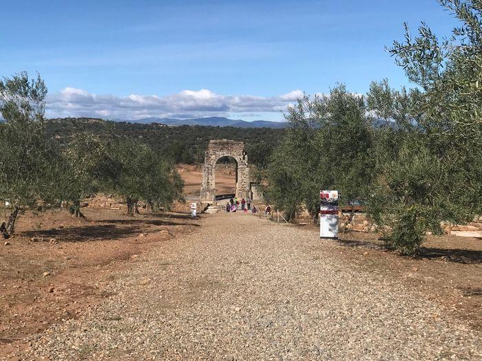 Calzada Romana Architecture History