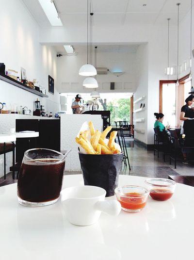 Snack Snack! Coffee Cafe Americano Snacktime Surabaya