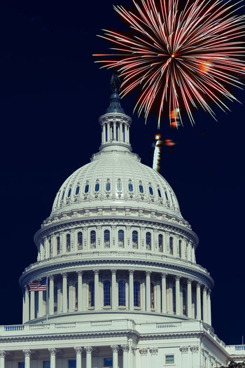 4th July, Fireworks light up the skies over the US Capitol Washington, DC. USA 4th July US Capitol Building Washington DC Architectural Column Architecture Building Exterior Built Structure City Dome Firework Firework Display Government History Illuminated Independence Day Night No People Sky
