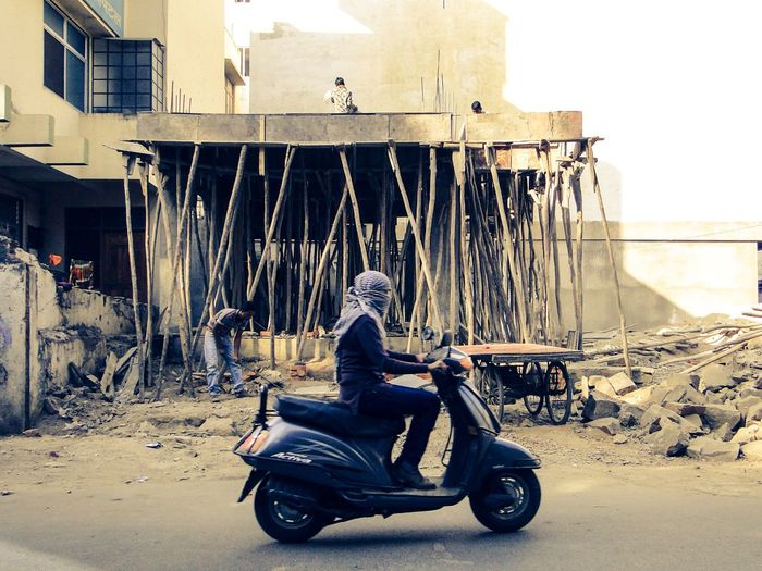 Streets of India Streetsofindia Rajasthan Jaipur Jaipur Rajasthan Building A House Scooterist Dust Rajasthan