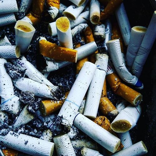 Is this Abstractart Abstract i dont know... Youtellme Photography Artphotography Cigarette  Smoker Streetpic Snapshot Snap Romanjskiphotography Idonthavetalentihaveagoodcamera