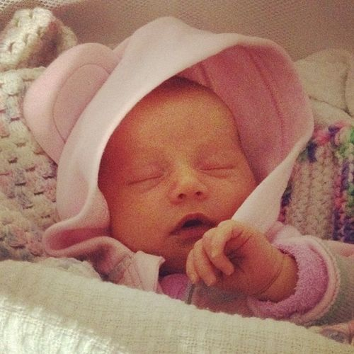 Could just eat her face off she's that yummy!!! Babyspam 3weeksold Finallyasleep BabyBella