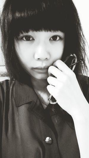 整晚沒睡的臉 Tired Girl Taipei Taiwan