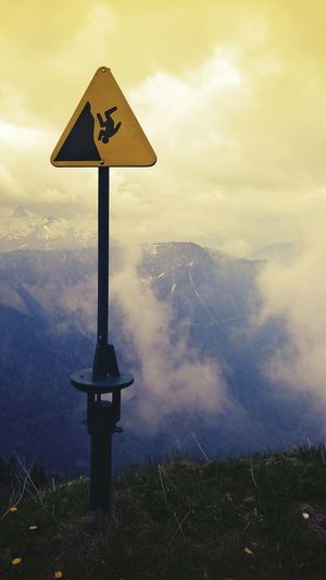 No People Dramatic Sky Tranquility Outdoors Dangerous Mountains Dangerous Nature Signal Kopfüber Fall Down EyeEmNewHere