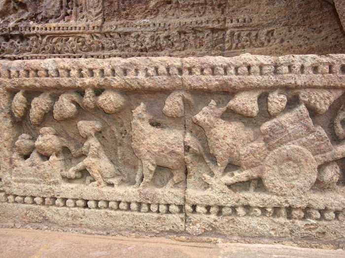 Beautiful Sand stone carvings depicting the lifestyle of past. Ancient Ancient Civilization Archaeology Architecture Built Structure Carving Close-up Craft Day History Human Representation Representation Sculpture The Past Wall Wall - Building Feature