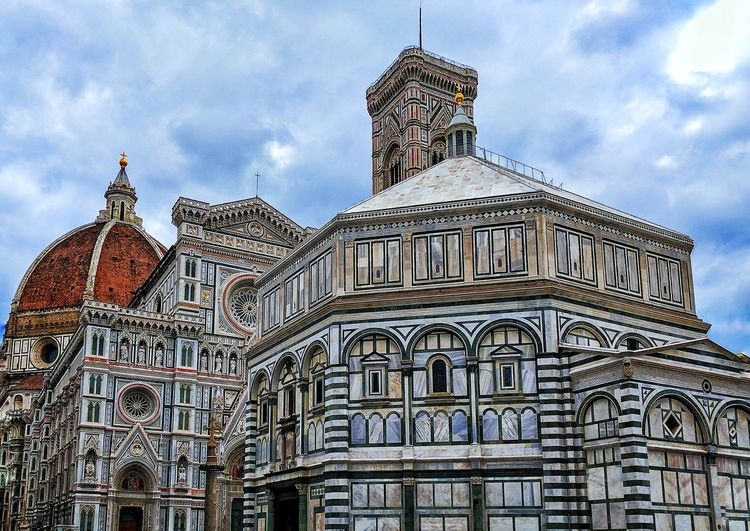 History Architecture Travel Destinations Business Finance And Industry Monument Cloud - Sky Dome Sky Outdoors No People Building Exterior King - Royal Person Day Politics And Government City Piazza Del Duomo Piazza Italy Italia Landscape