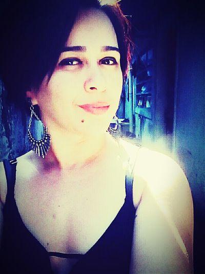 Um olhar intenso diz tudo.❤🌹 First Eyeem Photo Seductive Color Portrait RePicture Femininity Taking Photos