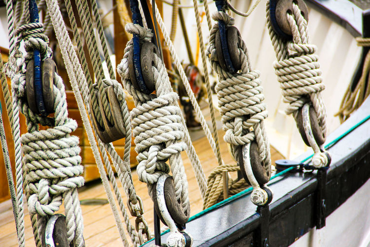 Ropes and pulley of boat