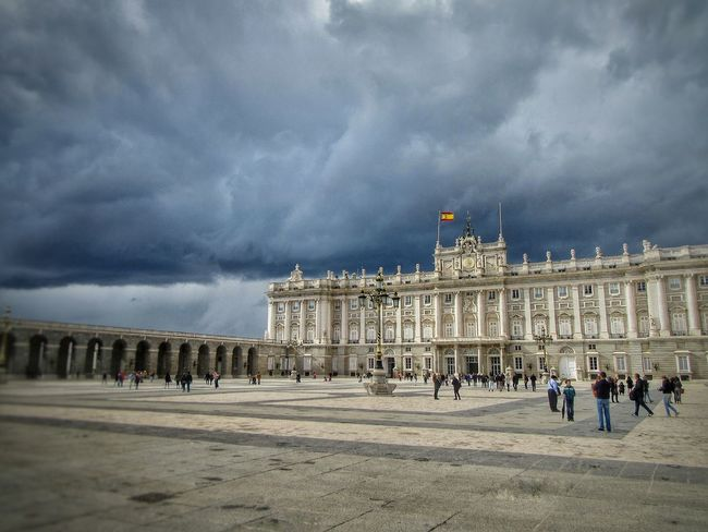 Architecture Bestoftheday Building Exterior Built Structure Cloud - Sky Day Government Historic Large Group Of People Leisure Activity Lumicar Men Outdoors Palace People Real People Sky Tourism Travel Travel Destinations Vacations Women Yard