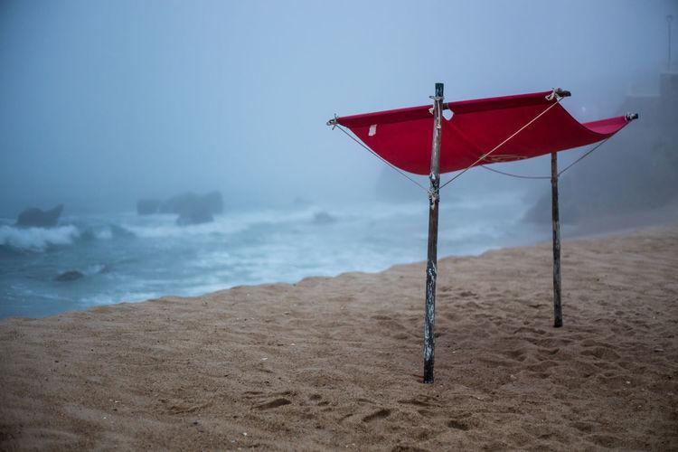 Beach in fog at Sao Pedro de Moel. Beach Fog Foggy Morning Nebel Strand Coast Portugal São Pedro De Moel Trüb Triste Empty Leer Sand Waves Nature Beachlife Beachstyle Verlassen Leere Traurig Einsamkeit Einsamer Strand Ruhe Und Stille Rauschen Foggy Weather Holiday Moments