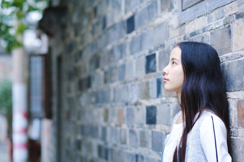 Looking Away One Person Long Hair Side View Beauty Standing Portrait Outdoors My Girl My Love Take Photos Exploring Cute Light
