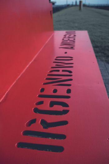 Bench Red