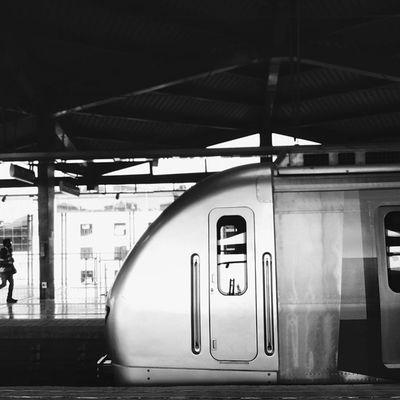 Black and White Train. Vscocam Vscogrid Vscophile Wwim11majhimetro WWIM11MUMBAI