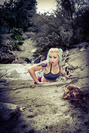 One Person Outdoors Lifestyles Only Women Dyed Hair Sport Strength Women Sports Training Sports Clothing Fitness Model Female Model California Escondido Tiina Kit Carson Park Escondido, Ca Fitness Exercising Beautiful Woman Uniqueness Sommergefühle