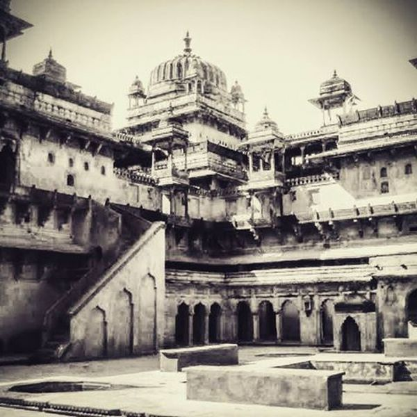 Orchha Fort 16 century AD, Orchha (or Urchha) is a town in Tikamgarh district of Madhya Pradesh state, India. The town was established by Rudra Pratap Singh some time after 1501, as the seat of an eponymous former princely state of central India, in the Bundelkhand region. Orchha lies on the Betwa River, 80 km from Tikamgarh & 15 km from Jhansi in Uttar Pradesh. Orchha was founded in 1531 (the 16th century AD)by the Bundela Rajput chief, Rudra Pratap Singh, who became the first King of Orchha, (r. 1501-1531) and also built the Fort of Orchha.The Chaturbhuj Temple was built during the reign of Emperor Akbar, by the Queen of Orchha Ganeshi Bai,while Raj Mandir was built by 'Madhukar Shah' during his reign, 1554 to 1591 Madhyapradeshtourism Madhyapradesh Orchha Bundela 's Bulleteers Explore Redmi2Prime Xiaomi Xiaomiyicamera