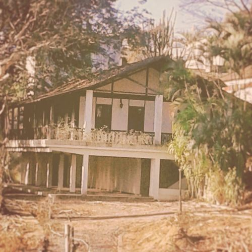 Old House Old Times !! Taking Photos Old House Vintage Riodejaneiro Quite Place 1977filter On The Road Oldtimes