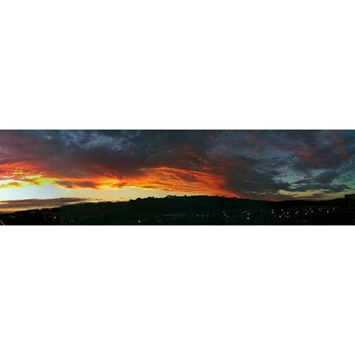 Panorama of the epic sunset on monday Latergram Summersunsets Capetownsummer Cloudscapes Cloudporn Cloudalbum Cityofcapetownskies Cityofcapetown Fireinthesky Igerscapetown Ig_capetown Amazingcapetown Thisiscapetown Instagood Panorama