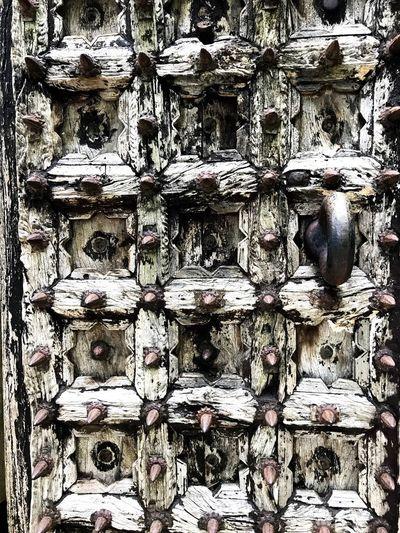 devil's horn Horn Woodgate Wooddoor Heaven's Gate Gate Japan Hell's Gate Door Itchiku Pattern
