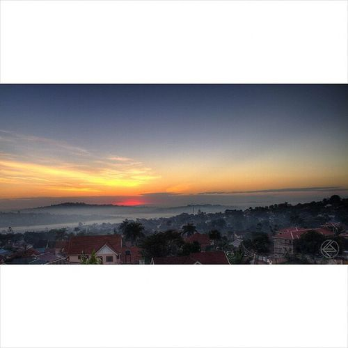 Good morning to you too... Sunrise Colouredskies KampalaHorizon Vscokenya PotDayKenya