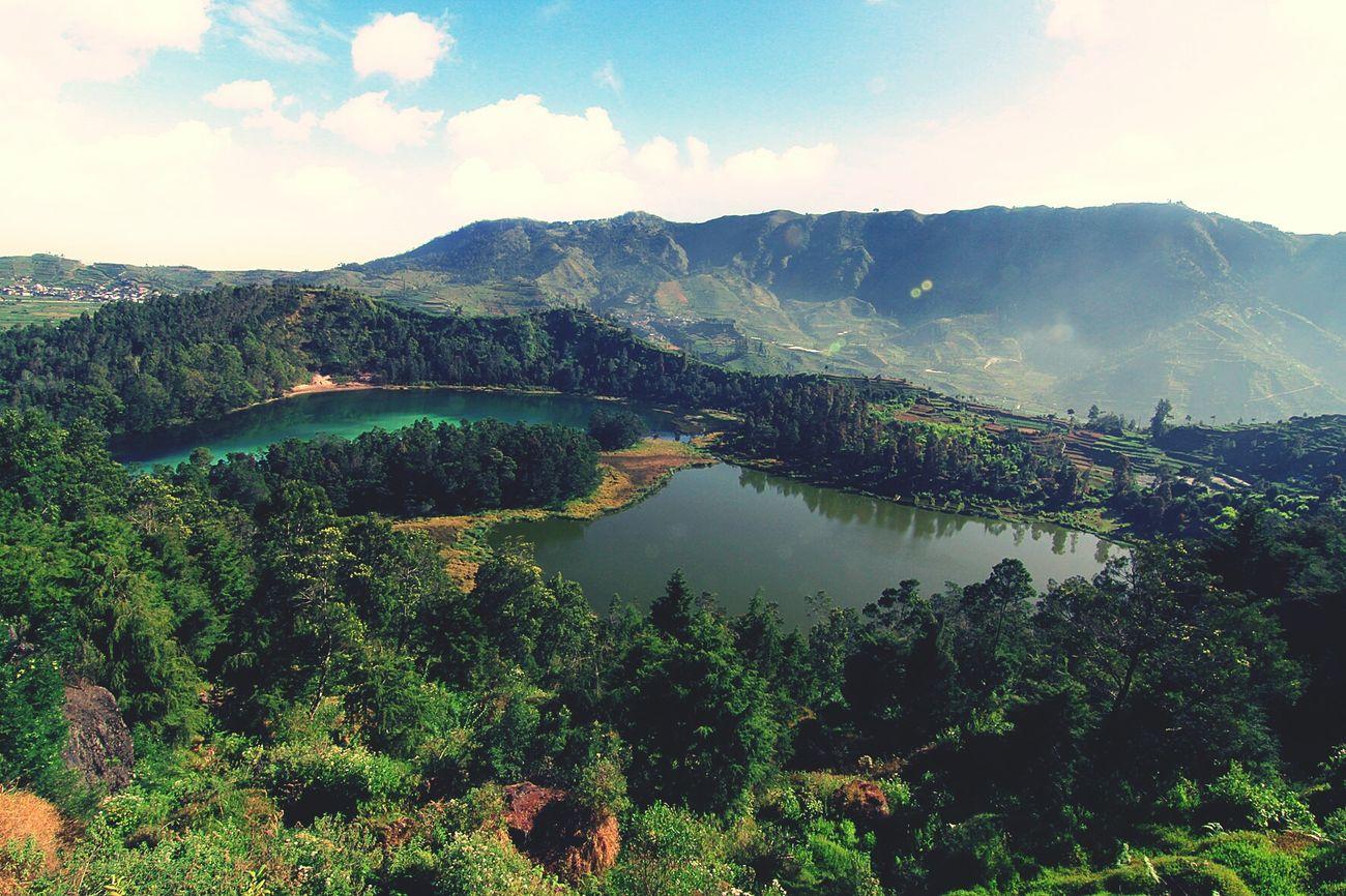 Telagawarnadieng Location : Dieng, Indonesia