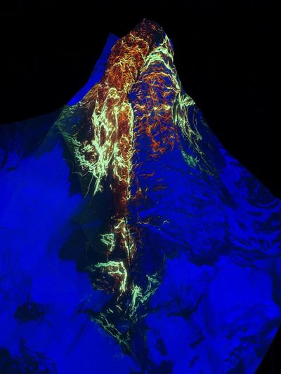 Das Matterhorn.... Matterhorn  Austellung Photographer Color Photograph Photo Eyeemphotography Mountain Berge Pictures EyeEmNewHere Illuminated Blue UnderSea Water Black Background Close-up