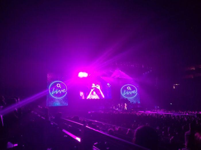 London O2 Arena Dance Music Concert Pop Music Stage Disco Dancing Sound Mixer Music Festival Light Beam Spotlight Music Concert