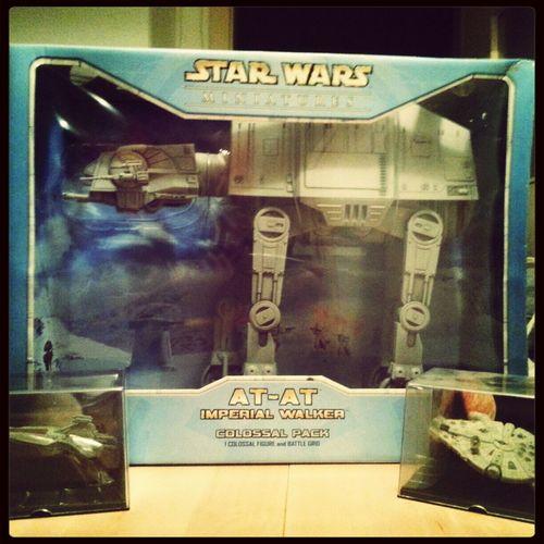 Sehet, staunet, neidet! Star Wars StarWars Collection At-at Walker Millenium Falcon