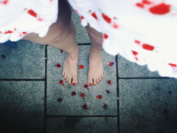 Fallen flowers... Low Section Human Leg One Person Barefoot Human Body Part People One Woman Only Red One Young Woman Only Flowers Red Flowers Runner Runners View Feet Red Nails Looking Down Neon Life EyeEm Selects Second Acts Be. Ready. Fashion Stories Summer Exploratorium Visual Creativity The Fashion Photographer - 2018 EyeEm Awards The Creative - 2018 EyeEm Awards