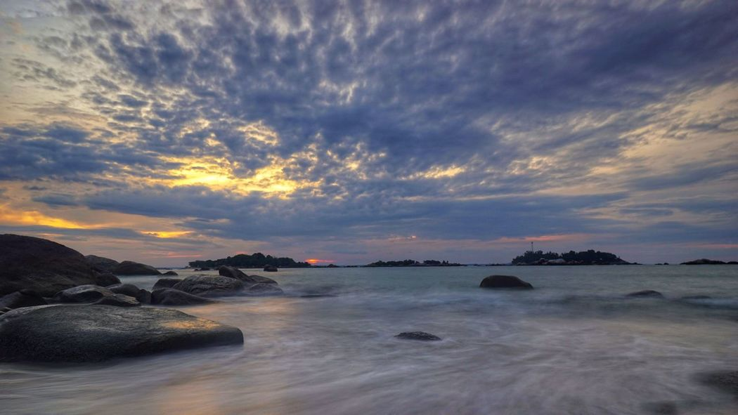 Penyusuk beach, Belinyu, Bangka Indonesia. Bangka Seascape Granitic Beach Sunset Beach View Twilight Trip To Bangka Scenic View Scenic Photography By @jgawibowo Arif Wibowo Photoworks Shot By @jgawibowo Shot By Arif Wibowo Sunset Cloud - Sky Water Outdoors Sea Beach Landscape Travel Destinations Scenics Horizon Over Water Nature