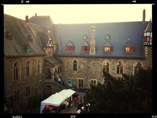 Historischer Weihnachtsmarkt auf Schloss Burg