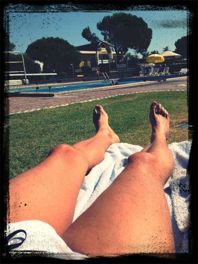 Enjoying the sun and the pool #montegrottoterme #hoteltermeapollo