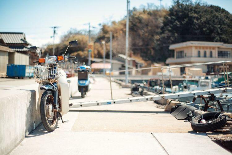 男木島 バイク 漁港