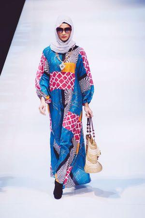 Striking Fashion Photojournalism Fashion Photography Female Model Fashioneditorial Fashion Show Klfwrtw2015
