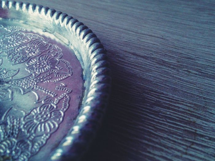 Q Qualitative Silver Plate Silver  Wodden Texture Urbanphotography Pale Colors Taking Photos Pattern, Texture, Shape And Form