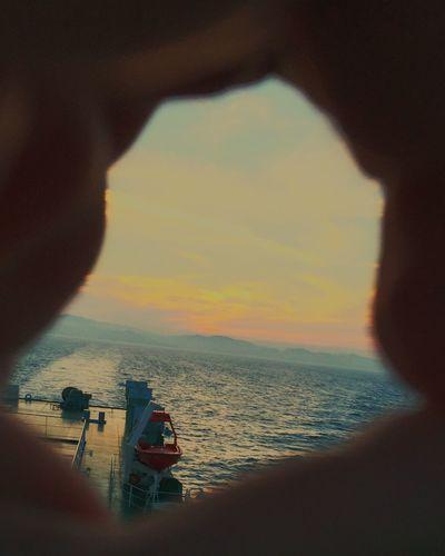 指の遠眼鏡